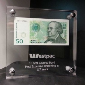Custom Awards Gallery Bank Note Award - Trophy Land