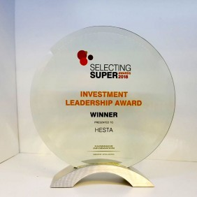 Corporate Awards Gallery Glass with Colour Print - Trophy Land
