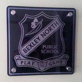 Signage Gallery School Crest Plaque - Trophy Land